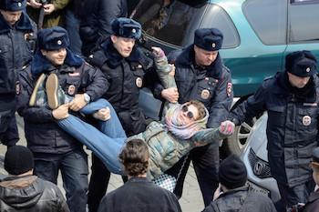 Rusya: Yolsuzluk dolayımlı protesto edilen ne?