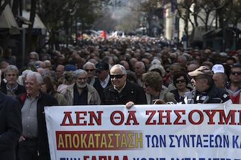 Yunanistan'da emekliler eylem yaptı