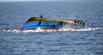 Göçmen katliamı: 34 ölü yüzlerce kayıp