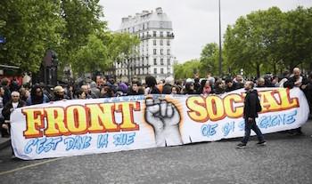 Paris'te HAYIR protestoları