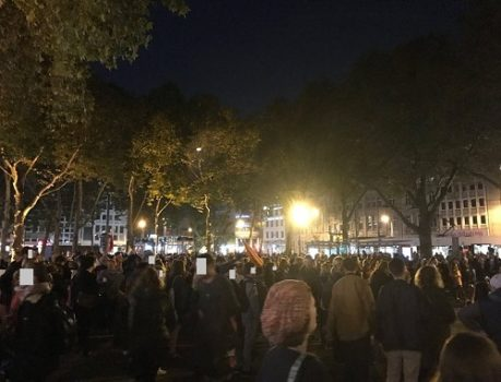 """Köln faşist partiye karşı"""