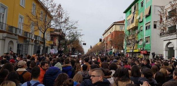 arnavutluk öğrenci protestosu